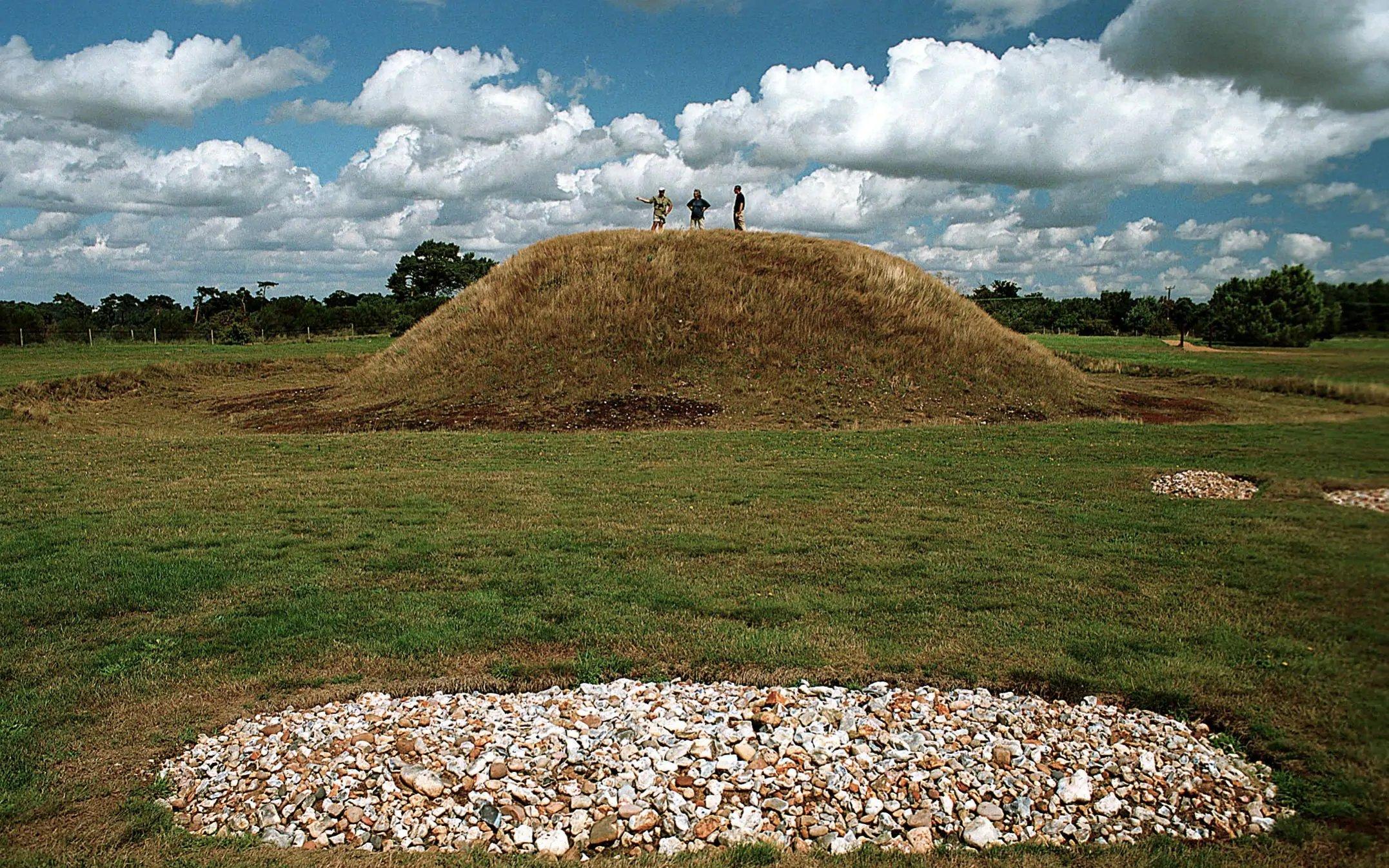 Sutton Hoo Anglo Saxon ship burial